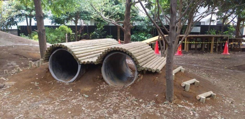 子供たちの野遊び ~トンネル~サムネイル